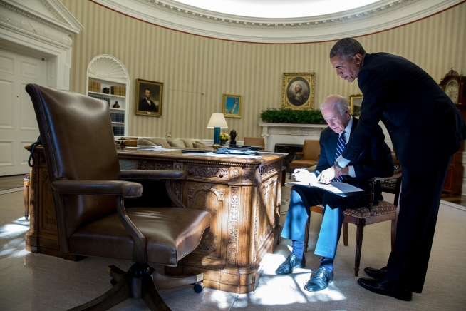 Our Joe huddled with the president, just before the fateful announcement.